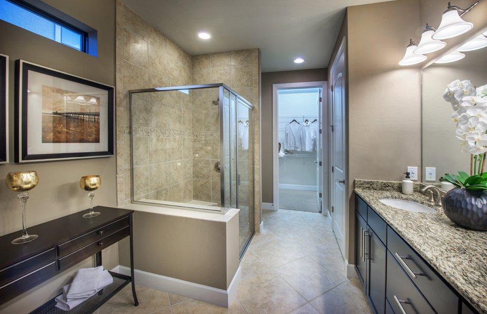 Summerwood: Owner's Bathroom