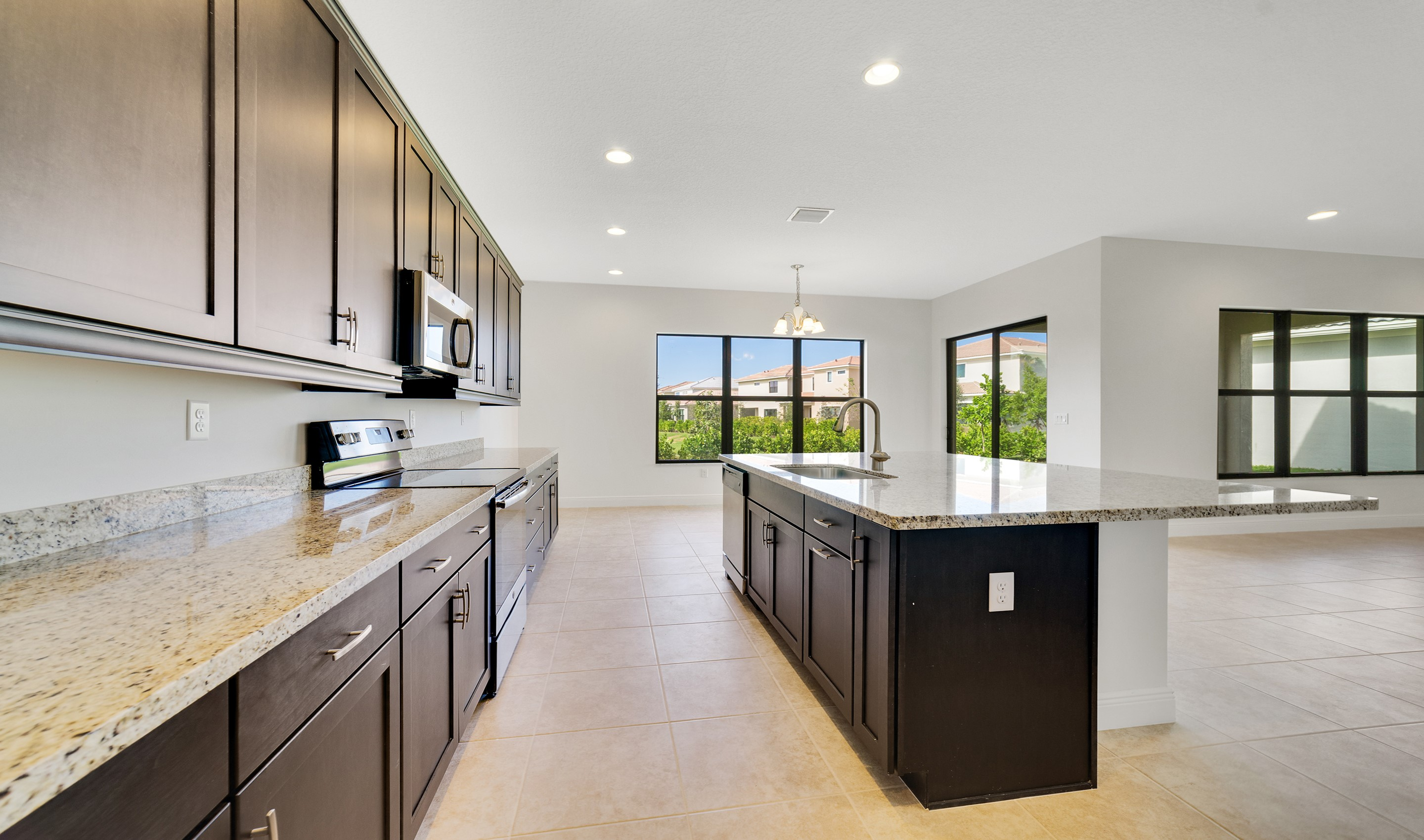 Sizable kitchen counters & cabinets