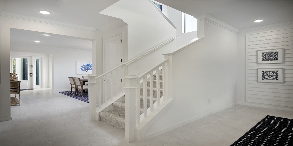 Spruce: Foyer/Entrance